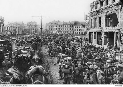 German army reserves advancing through St Quentin 1918